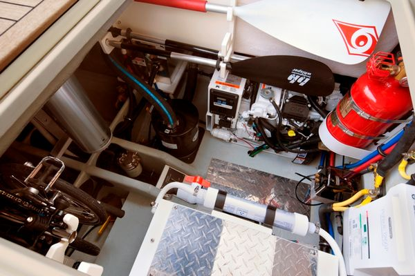 Alcore Marine Chris Craft Launch 36 7
