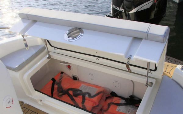Alcore Marine Clear Aries Cabin 6