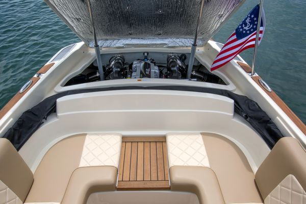 Alcore Marine Chris Craft Launch 25 6